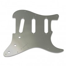 WDMusic STRATOCASTER® - BRUSHED SILVER pickguard